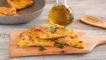 L'omelette aux pommes de terre et au bacon